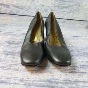 Salvatore Ferragamo Adamy Grey Leather Size 6.5 AA